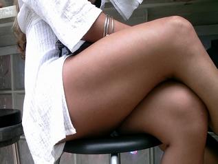 Delicious legs legmagnification