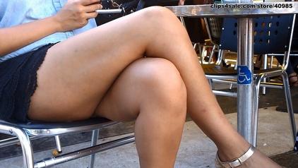 Sexy Leg Posture legmagnification