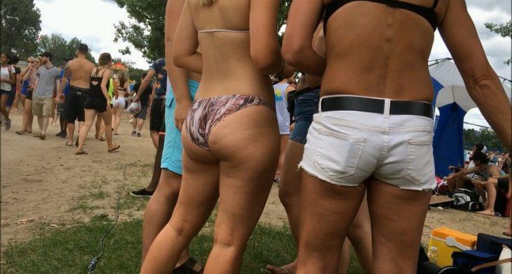 Booty Teen Blonde in Festival