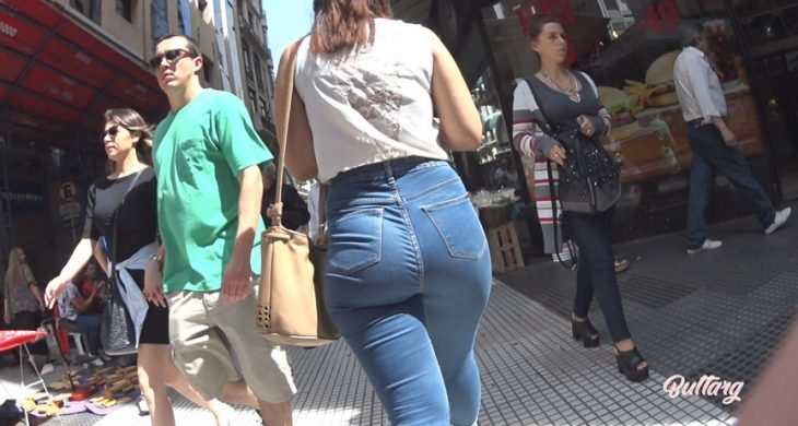 ButtArg Booty Latina Teen in Jeans Walking