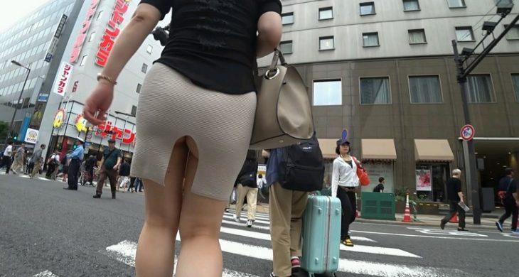 JAV Walking in the Street Big Booty Dress Asian