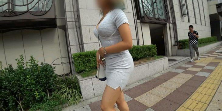 Sexy JAV Asian Girl with Mini Dress Sexy Legs