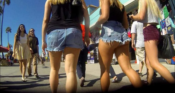 Friends Sexys Girls Teens with Shorts CandidCalifas