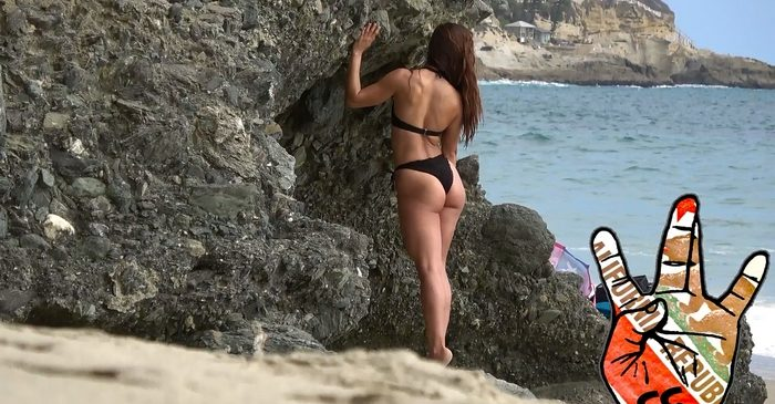 Sexy Babe Model in the Beach CandidCalifas